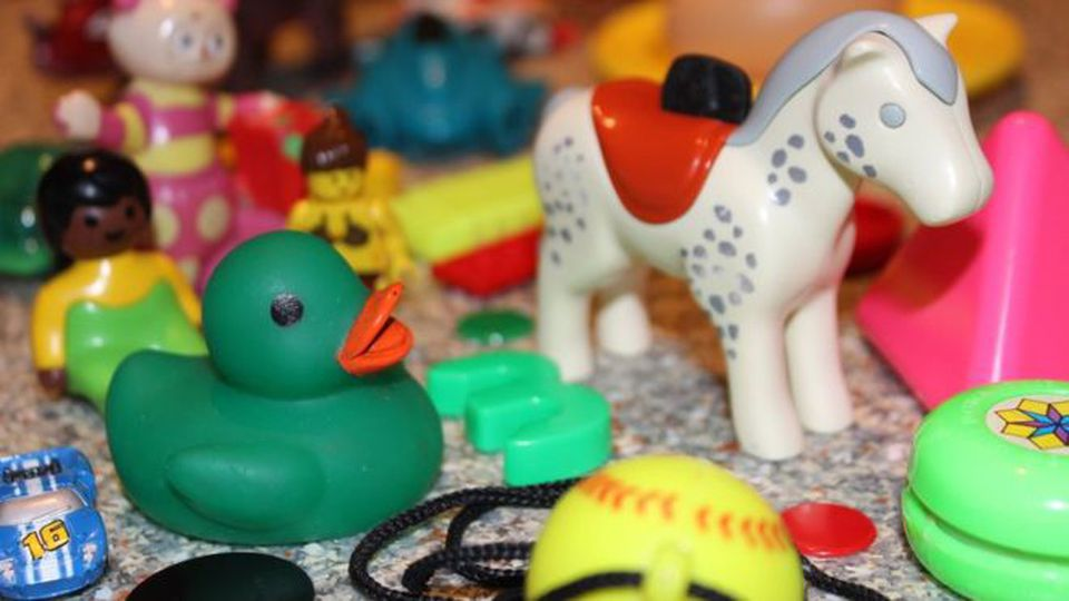 Extreem Plastic van tweedehands speelgoed kan gevaarlijk zijn voor @ZY57