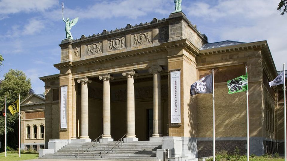 Ghent Museum of Fine Arts helps non-Dutch-speakers learn Dutch