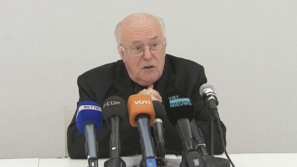 """Kardinaal Danneels News: """"Had Vangheluwe Tot Ontslag Moeten Aansporen"""""""