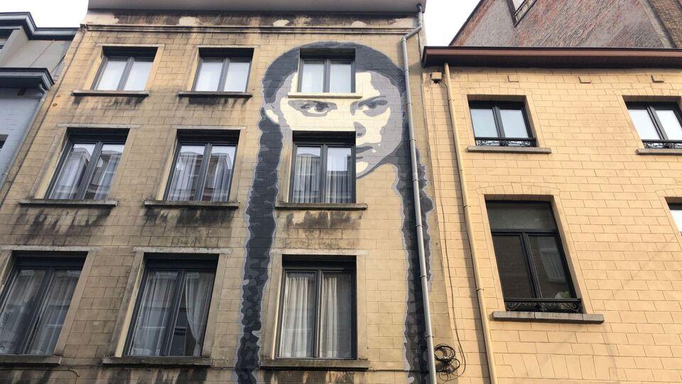 Le visage de l'activiste Greta Thunberg orne un mur à Bruxelles