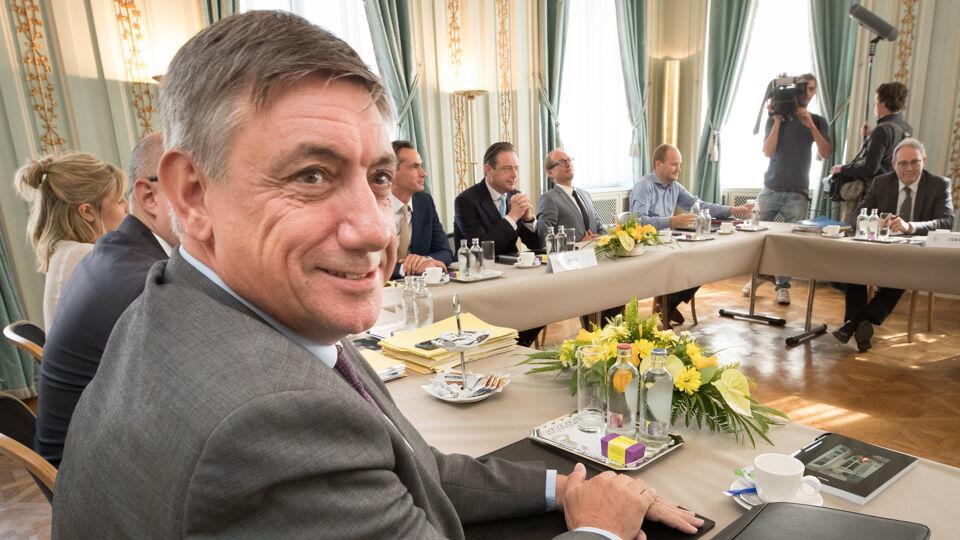 Reynders et Vande Lanotte resteront-ils informateurs fédéraux?