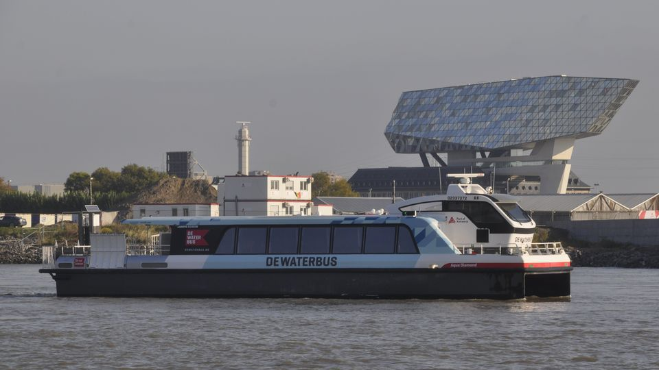 Future of Antwerp water bus in doubt