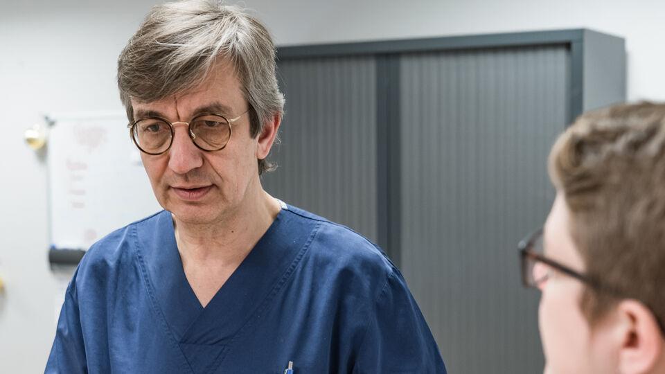 """Vlaamse topwetenschappers blikken vooruit: """"Over 10 jaar doen we thuis meting waar je nu nog bloedprik voor nodig hebt"""""""